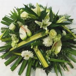 Coussin moderne de fleurs blanches et vertes La Ronde des Fleurs
